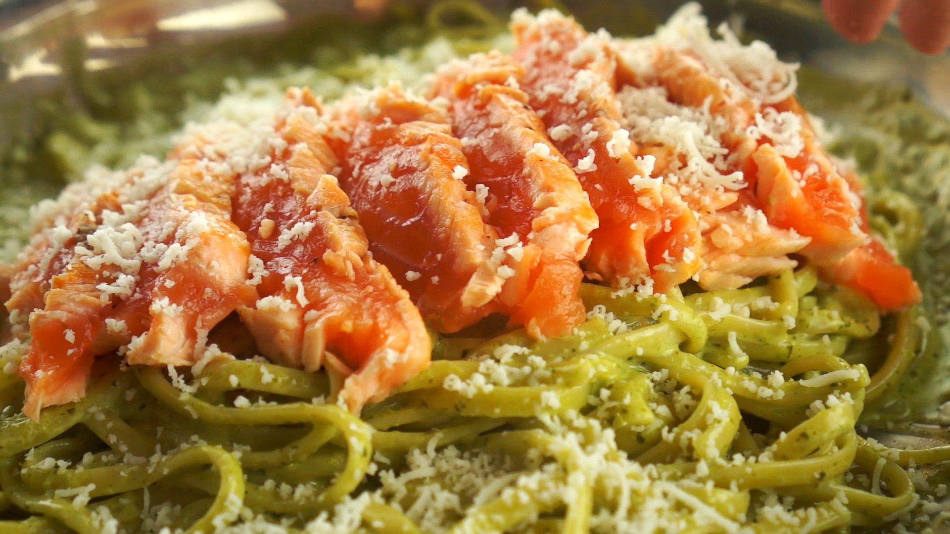 Pâtes au saumon et au pesto